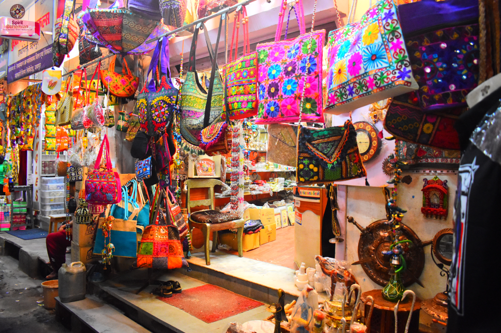 Udaipur Shopping Market – Best Shopping Places in Udaipur