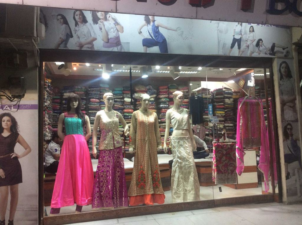 Wholesale Cloth Market in Udaipur – Dress Material Wholesaler in Udaipur