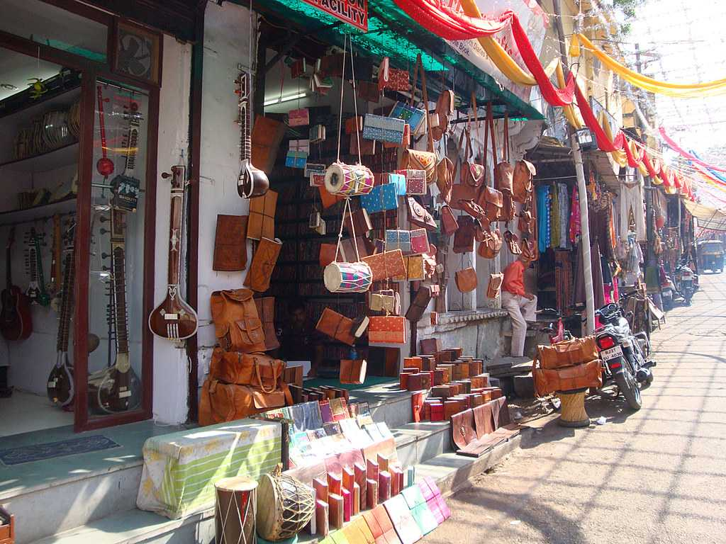 Best Places to Shop in Udaipur – Famous for Shopping in Udaipur