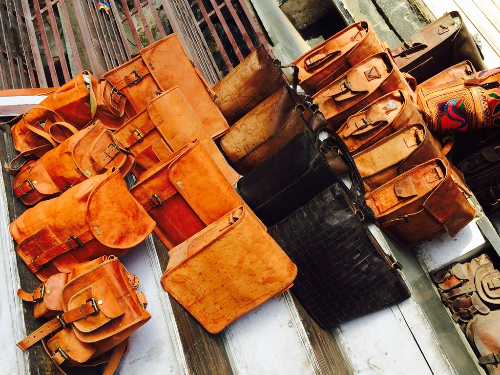 Udaipur Leather Market – Best Places to Buy Leather Items in Udaipur