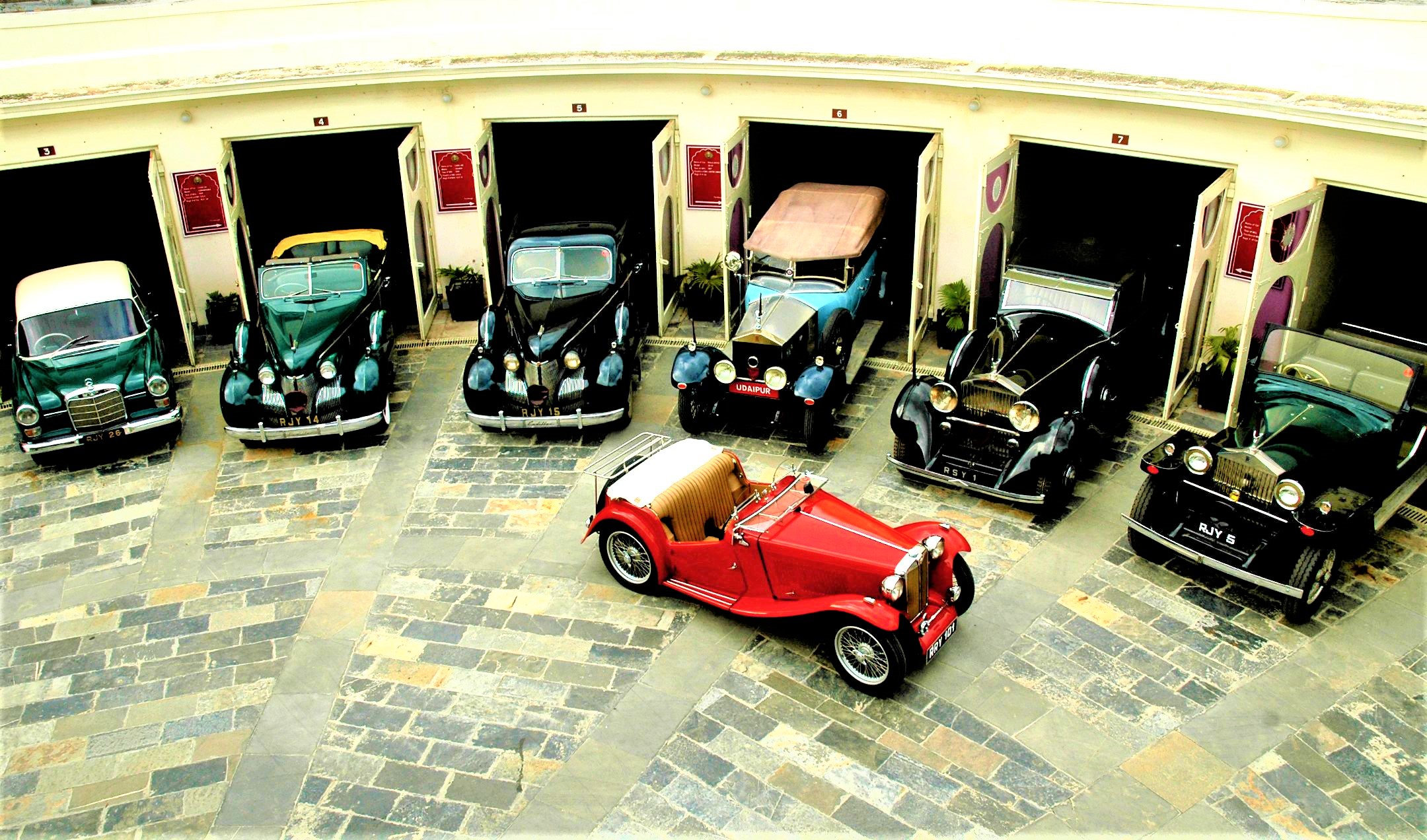 vintage car collection udaipur - udaipurian