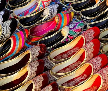 Shopping in Udaipur or Jodhpur – Where to Shop From?